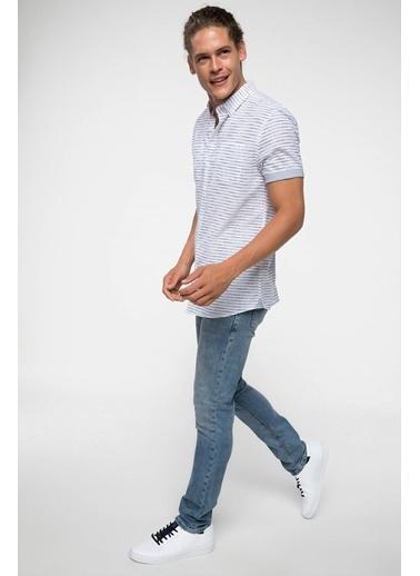 DeFacto Desenli Slim Fit Kısa Kollu Gömlek Beyaz